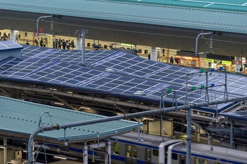 東京駅ホームの写真