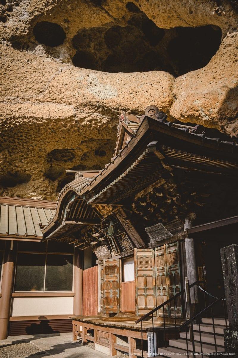 横からの本堂の写真